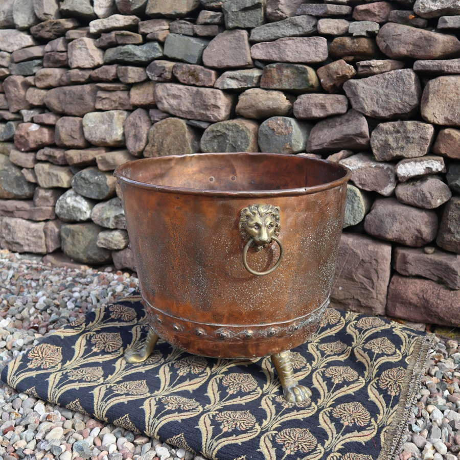 19th Century copper cauldron log bin, brass Lion handles c.1860.