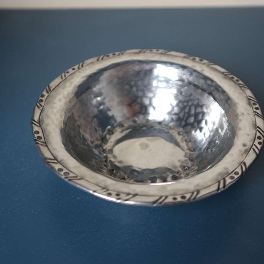 Arts & Crafts, Hugh Wallis hand hammered / polished pewter dish c.1925