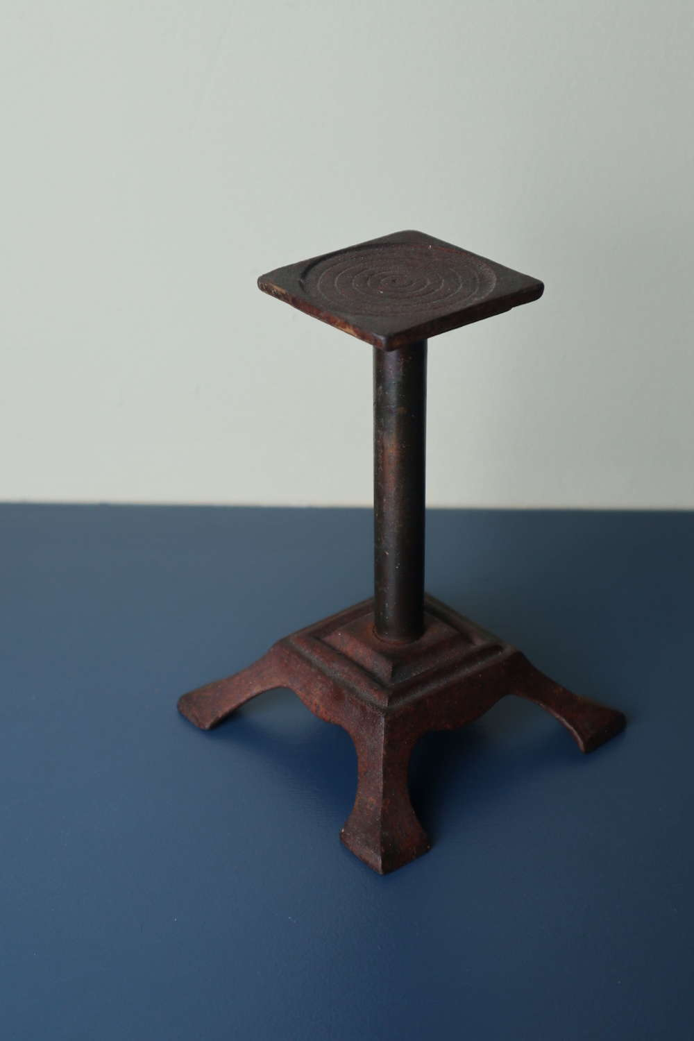 Victorian display stand, graduated square section, iron & brass c.1875
