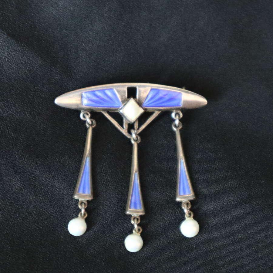 Art Nouveau / Jugendstil Norweigian guilloche enamel brooch c.1900.