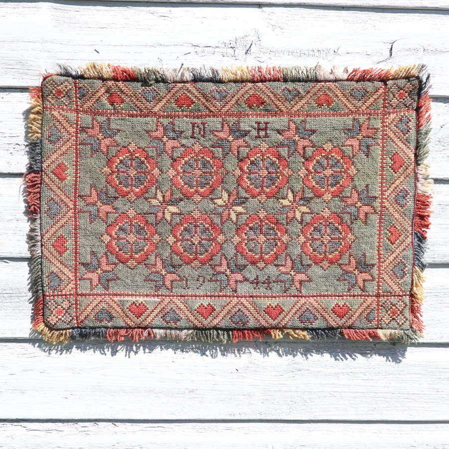 Scandinavian / Swedish 'Folk Art' hand woven 'Agedyna' cushion 1944.