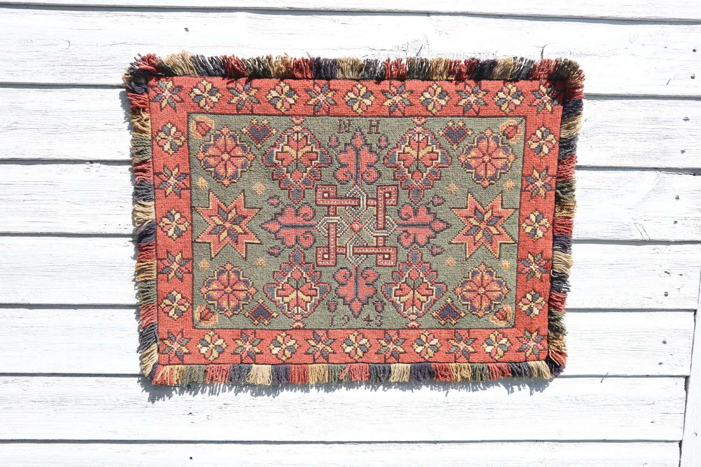 Scandinavian / Swedish 'Folk Art' hand woven 'Agedyna' cushion 1943.