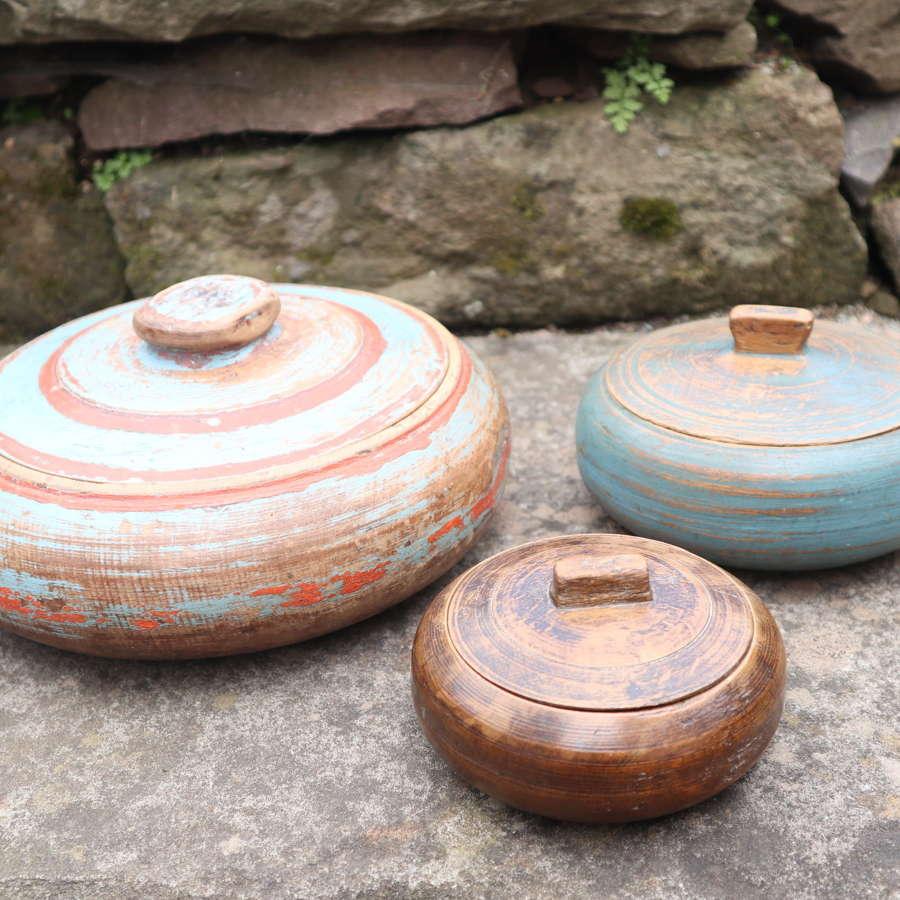 Swedish Folk Art Trio of wooden bowls, original paint late c.1810.