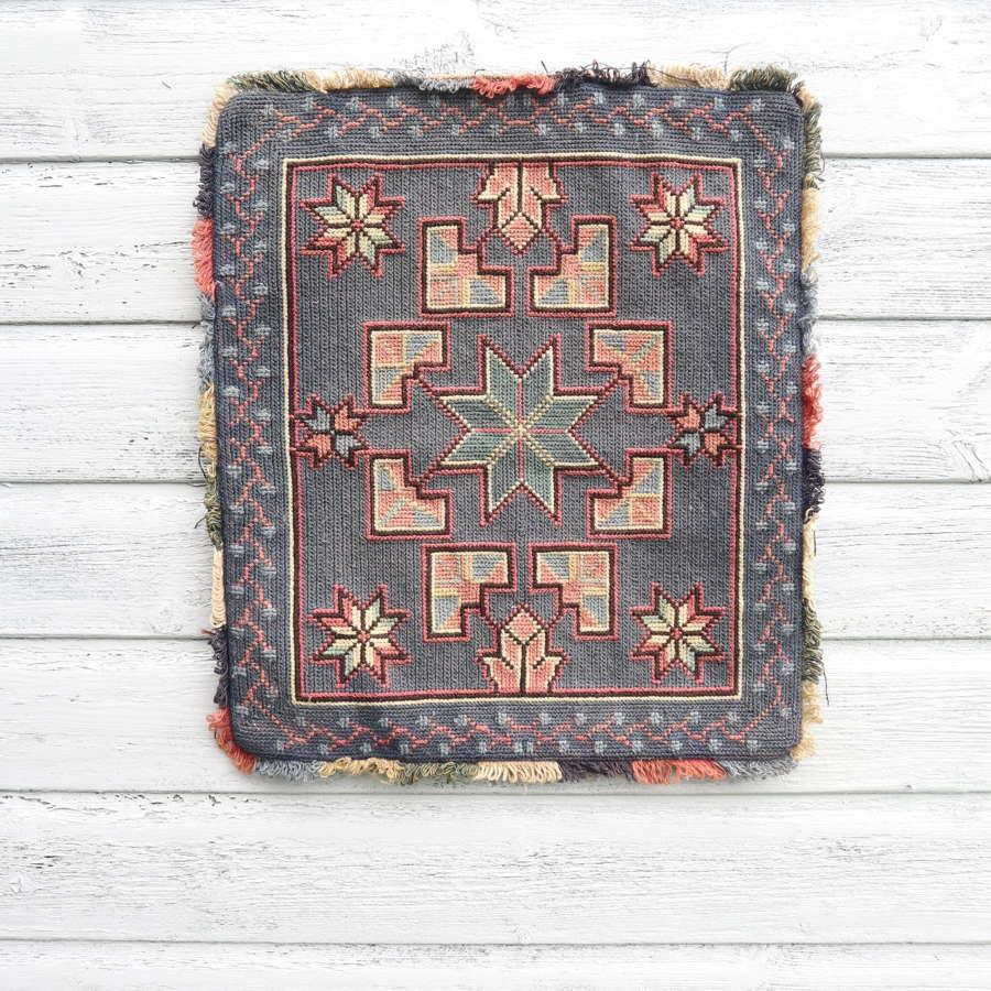 Scandinavian / Swedish Vintage Folk Art Hand Woven Cushion Cover