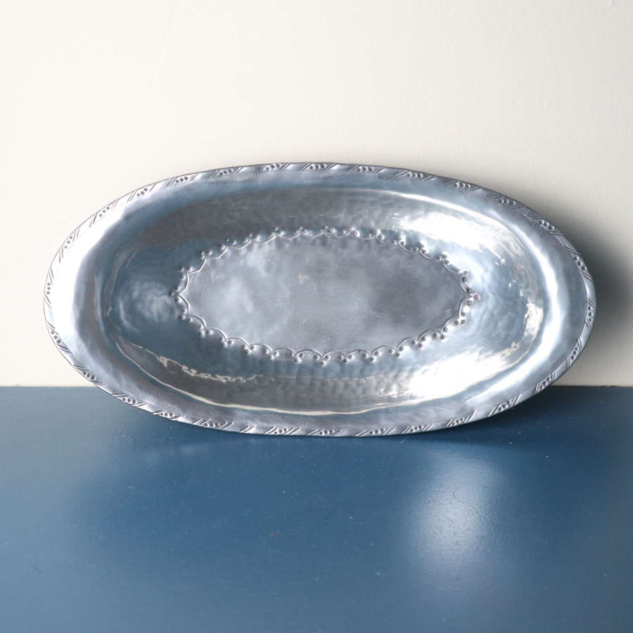 Arts & Crafts Hugh Wallis hand hammered pewter oval dish c.1910-20.
