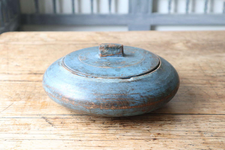 Swedish 'Folk Art' original blue paint, lock lid wooden bowl c.1830.