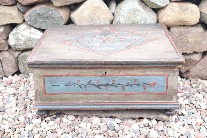 Swedish 'Folk Art' pine alms box, grey marbling, rosmålning 1828.