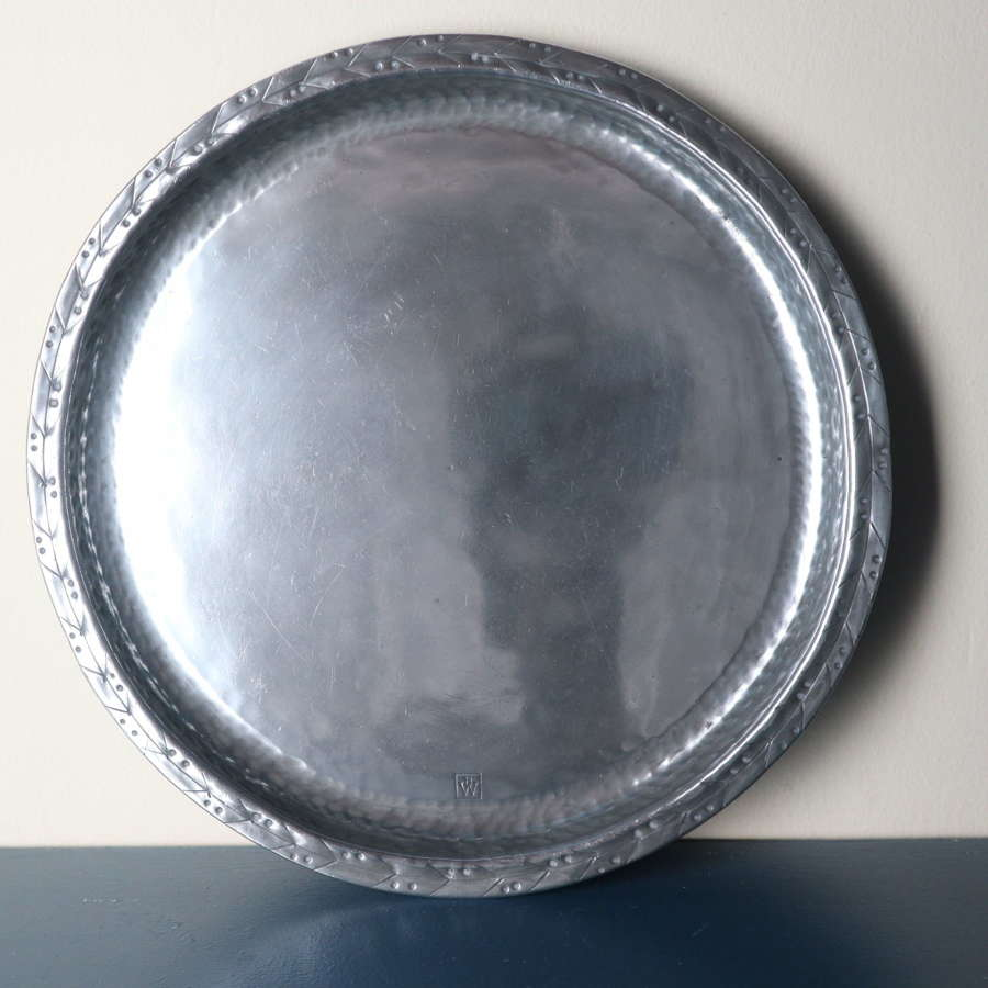 Arts & Crafts Hugh Wallis hammered pewter round tray/plate c.1910.