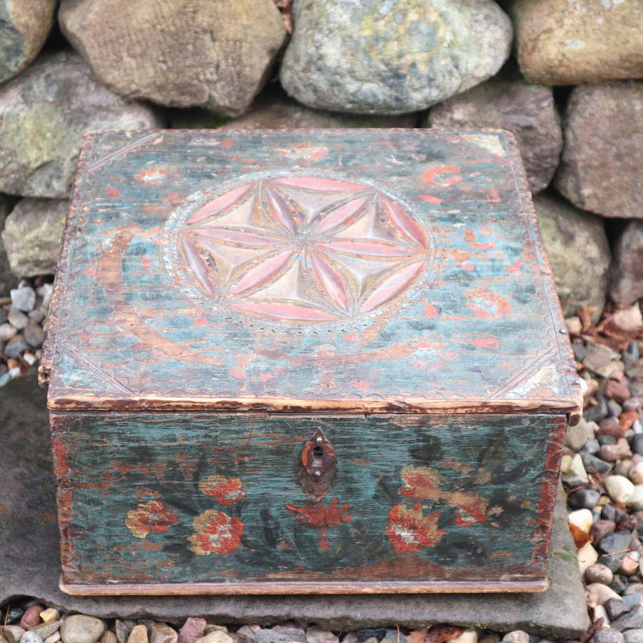 Swedish 'Folk Art' Writing slope box, chip carving & rosmålning 1803