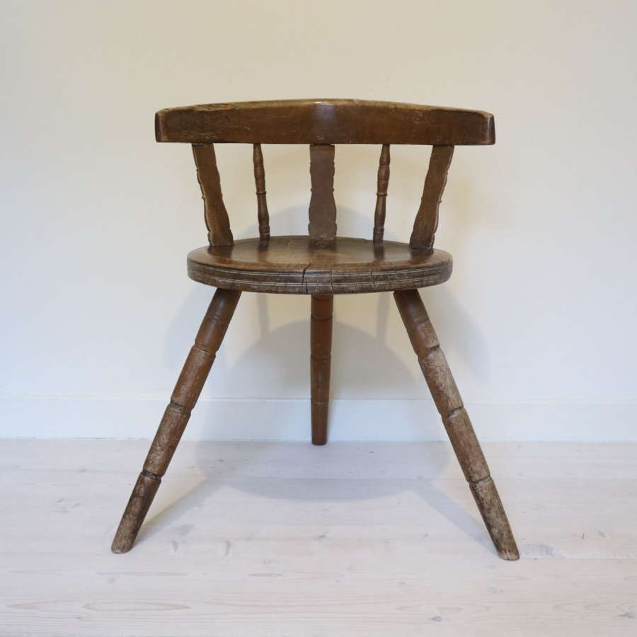 Swedish 'Folk Art' Blekinge chair, three-legged & circular seat c.1850