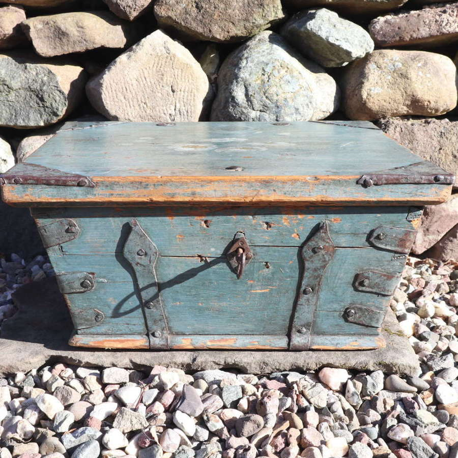 Swedish 'Folk Art' blue paint Jämtland region table box c.1800