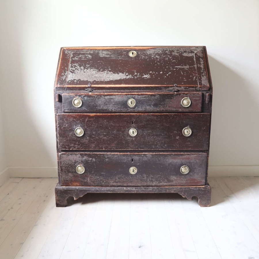 Swedish 18th Century Rococo period original paint slant-fronted desk