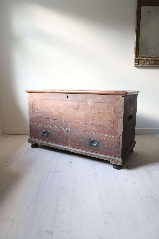 19th Century Scottish Large Pine Kist & Drawer c. 1825-1875